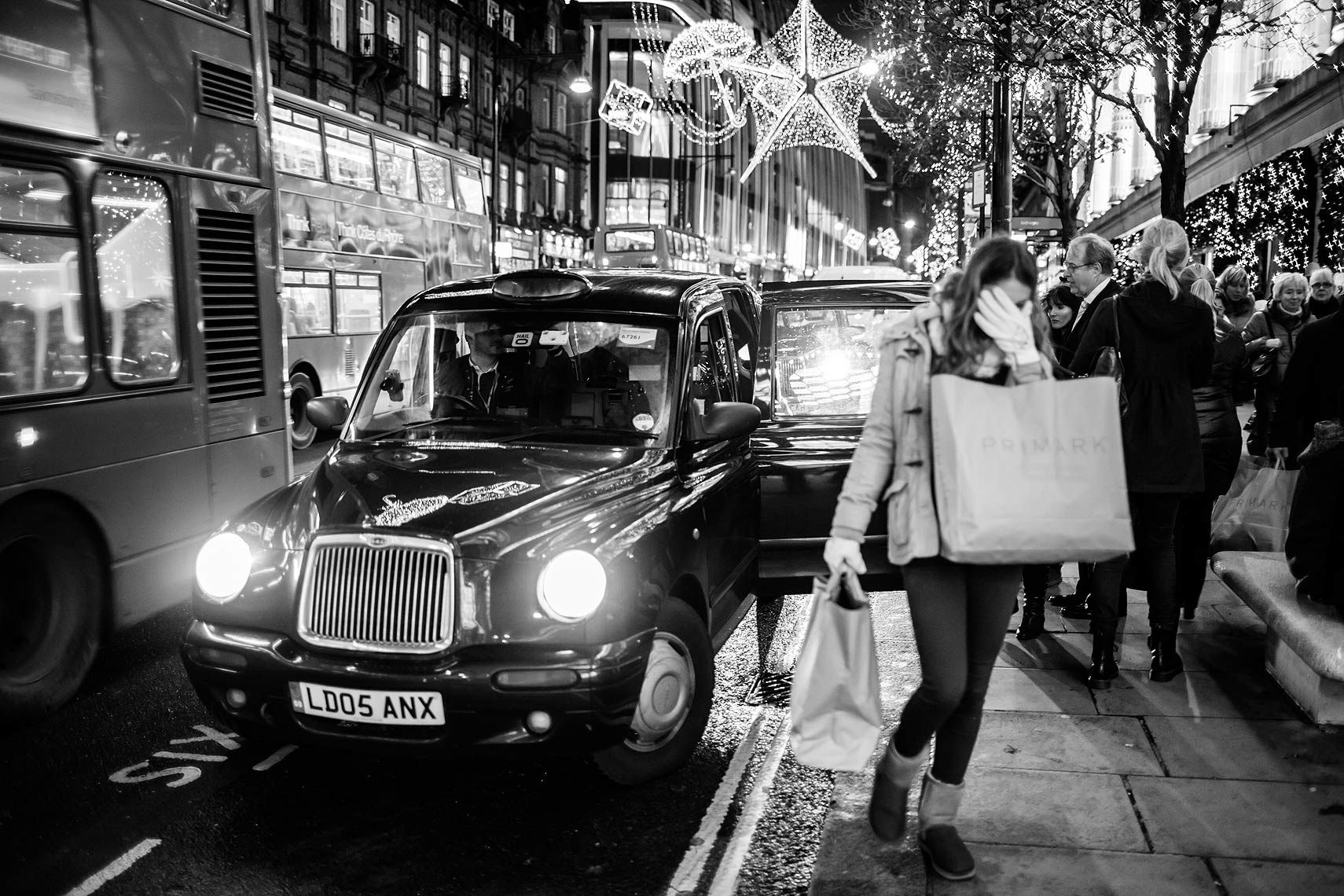 london1_cab-lady.jpg