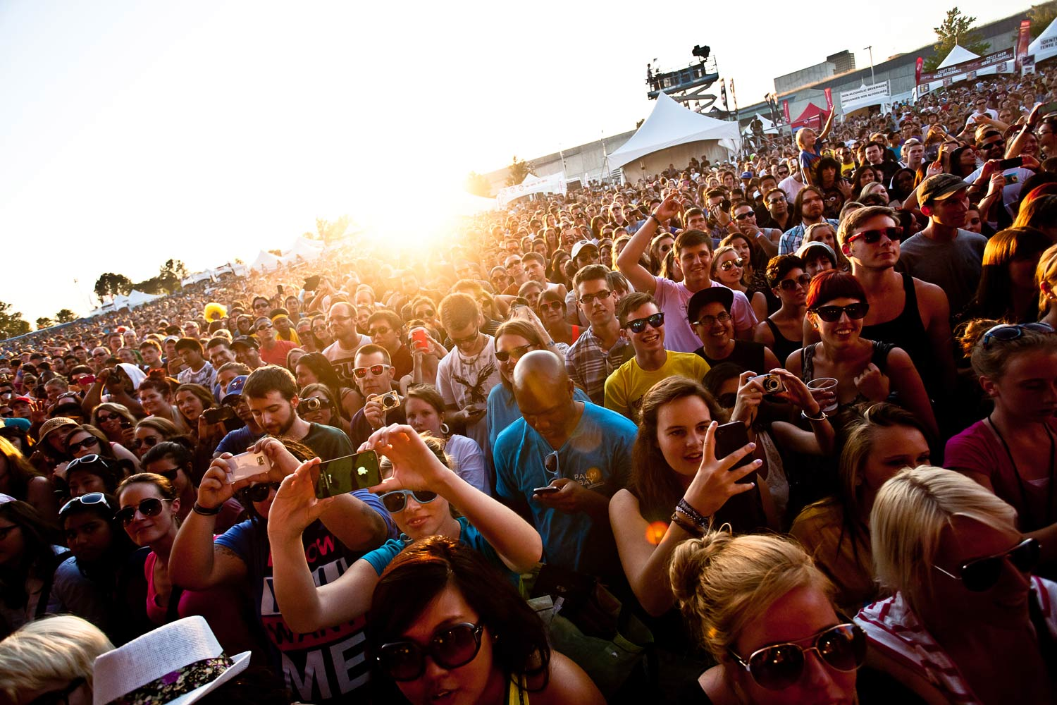 sunset-crowd2.jpg